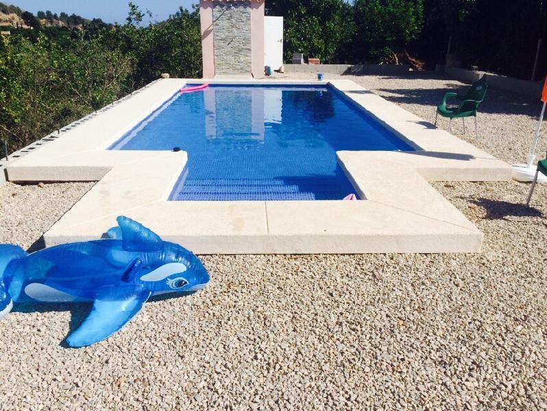 Modelos de escaleras de obra para piscinas top las for Modelos de piscinas cuadradas